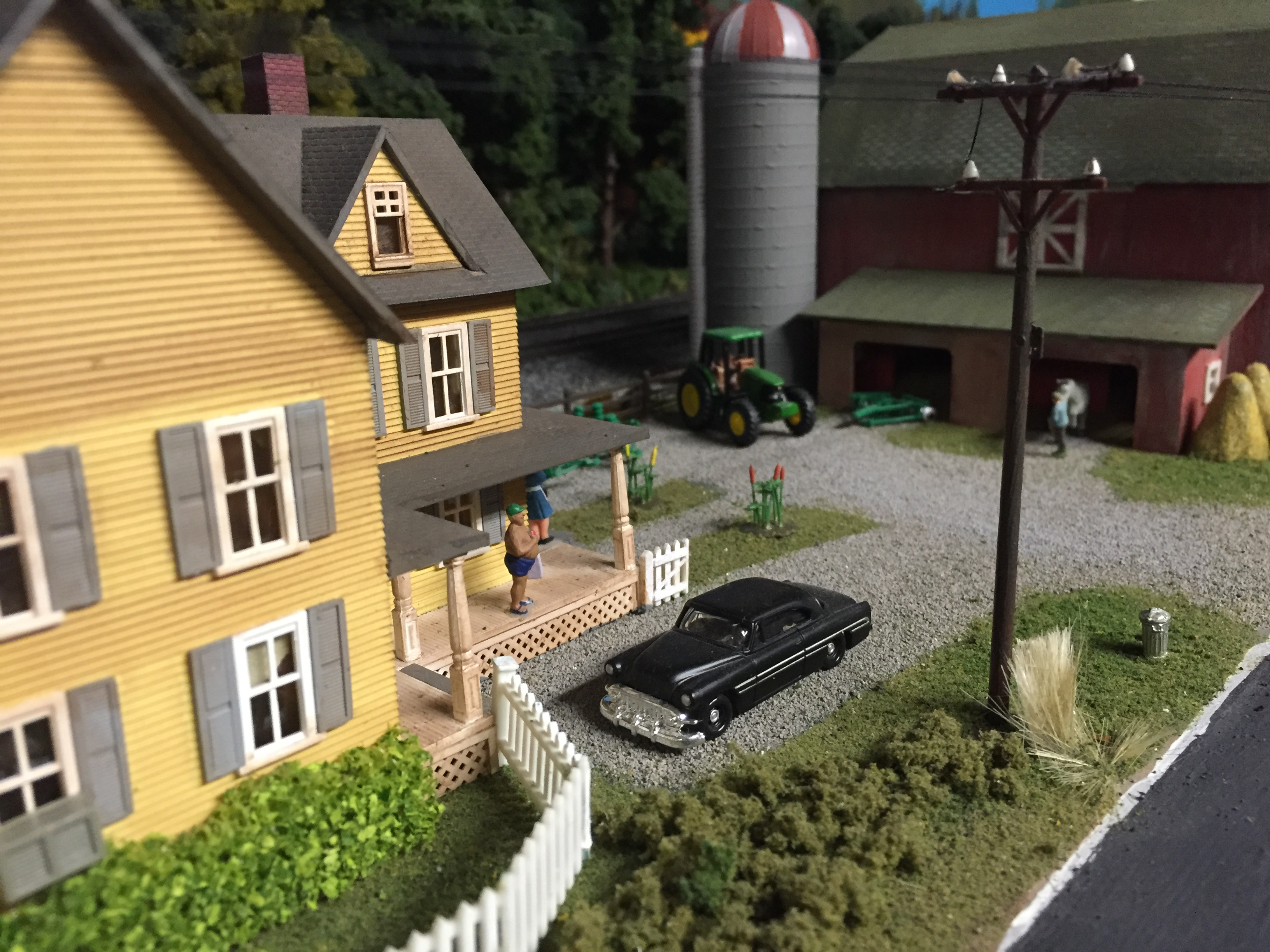 model train board hobby farm house