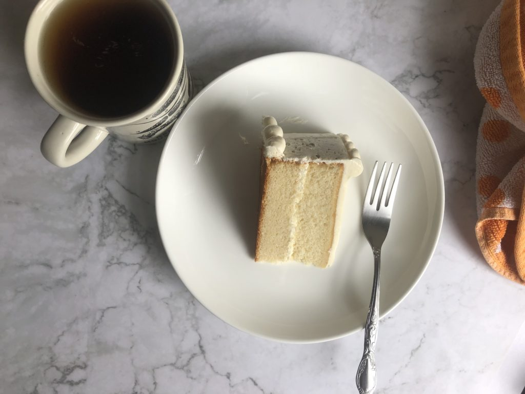 white cake recipe with vanilla frosting